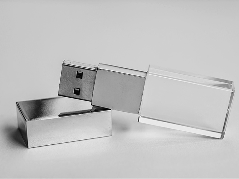 Crystal USB 2.0 (Exclusively produced)